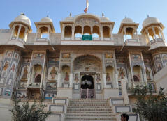 Image result for mount abu Shri Raghunathji Temple